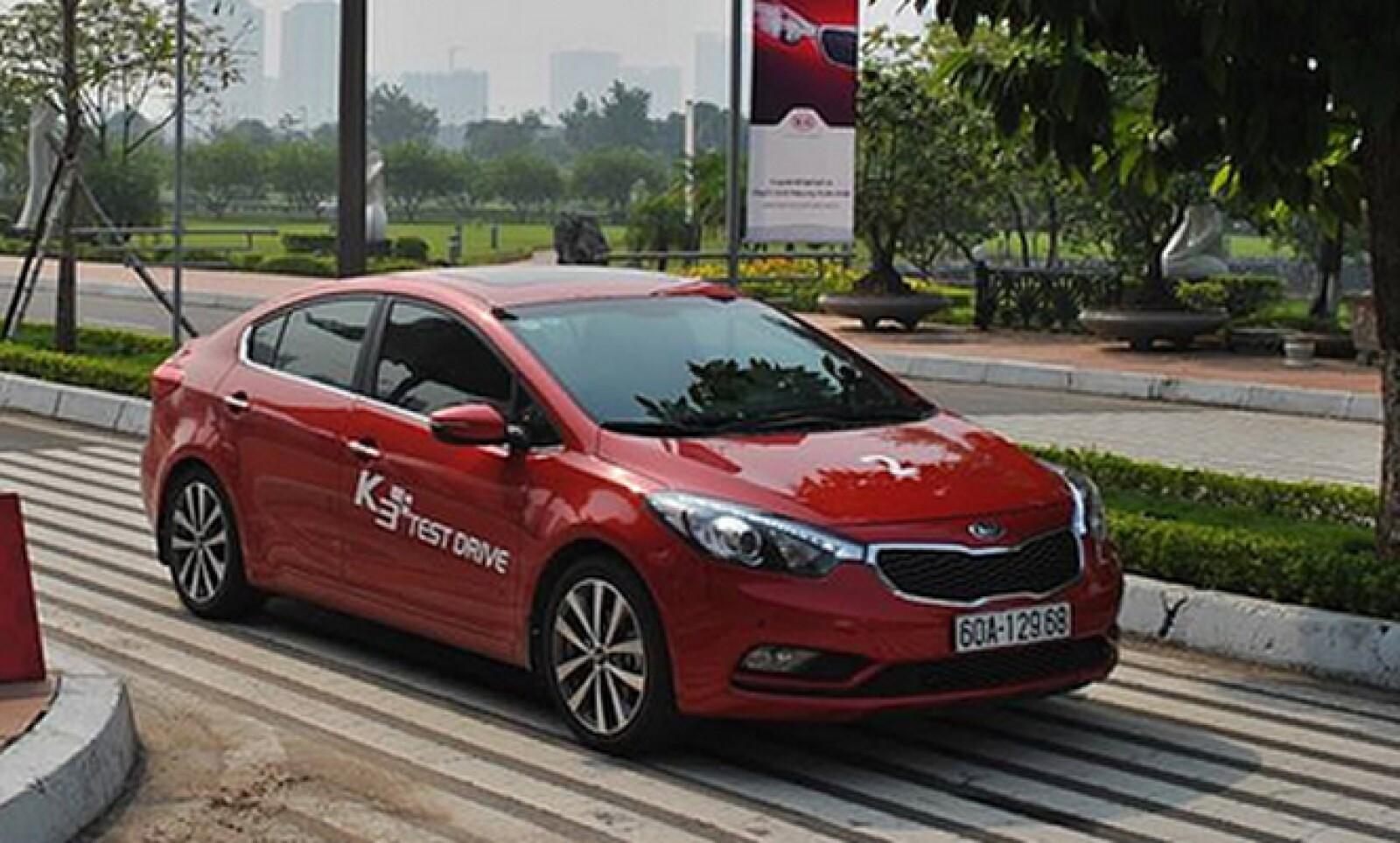 La planta de Kia Motors que se construirá en Nuevo León producirá 300,000 vehículos anuales. Fuentes dijeron que los modelos que armará en el país son: Forte, Rio y Sportage.