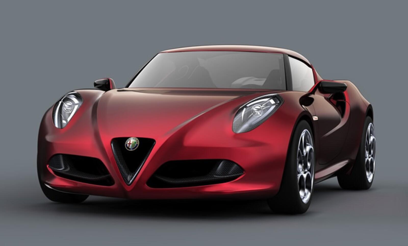 Las firmas automotrices presentaron sus nuevos modelos en el Auto Show de Frankfurt 2011. La italiana Alfa Romeo expuso su nuevo 4C Concept, con apenas un peso cercano a 850 kilogramos.
