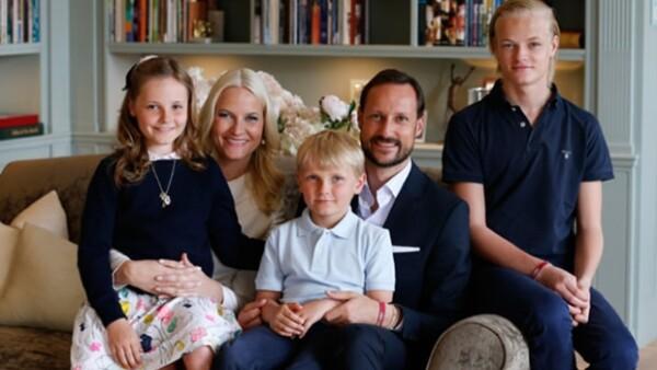 Actualmente es conocida como su Alteza Real la Princesa Mette-Marit de Noruega pero, ¿por qué en algún momento se puso en riesgo la monarquía por ella?