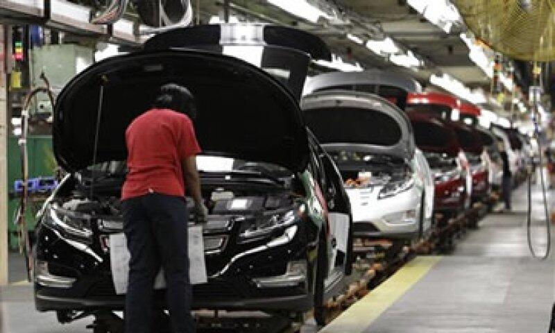GM rehusó comentar sobre las negociaciones con los trabajadores de la fábrica. (Foto: AP)