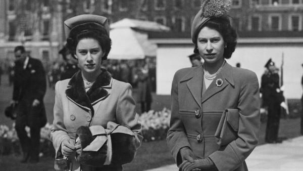 Isabel II y Margarita en 1948