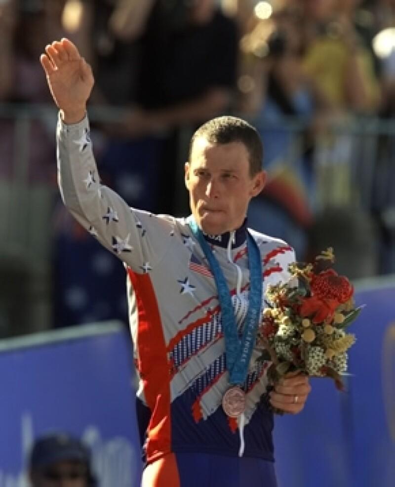 Desde el inicio de la entrevista y durante su transcurso, el ex campeón de ciclismo admitió que no hubiera podido ganar sin las drogas.