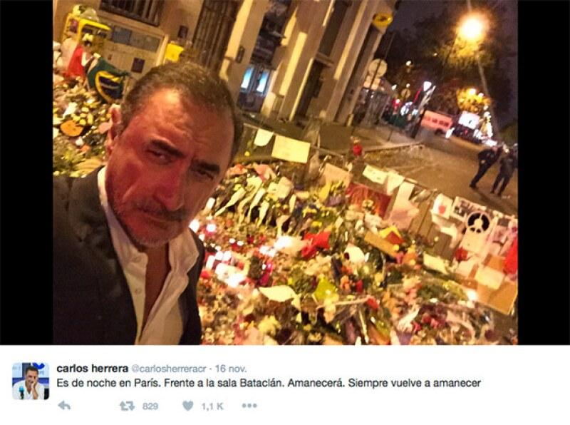 El periodista se tomó una selfie fuera del Bataclán, uno de los lugares afectados por el atentado terrorista.