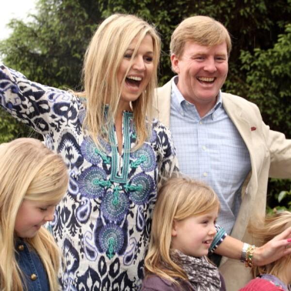Los reyes Guillermo y Máxima son muy cariñosos con sus tres hijas.