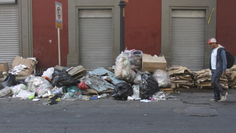 calles del centro con basura