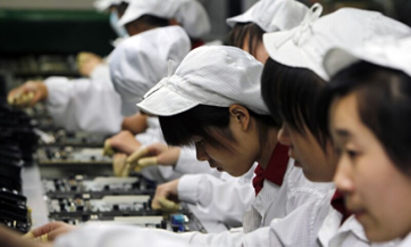 Foxconn ha sido señalada en diversas ocasiones por sus bajos salarios y malas condiciones laborales. (Foto: AP)