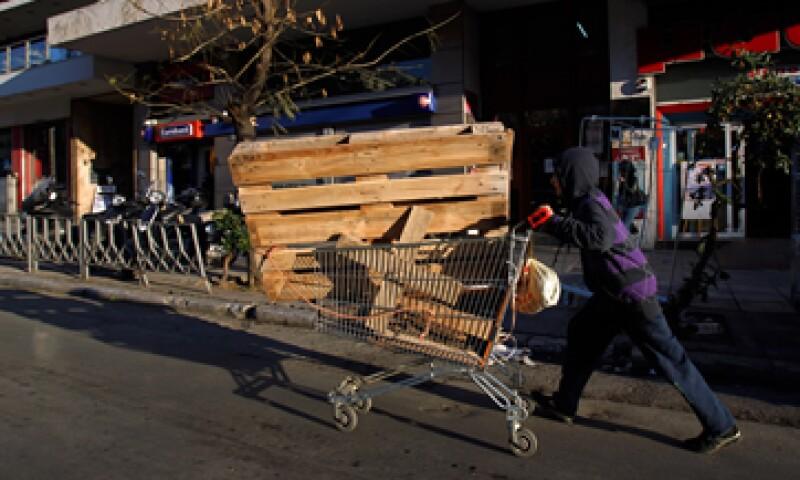Un total de 3,635 personas fueron arrestadas en Grecia por robar metales entre principios de 2010 y agosto de 2012. (Foto: AP)
