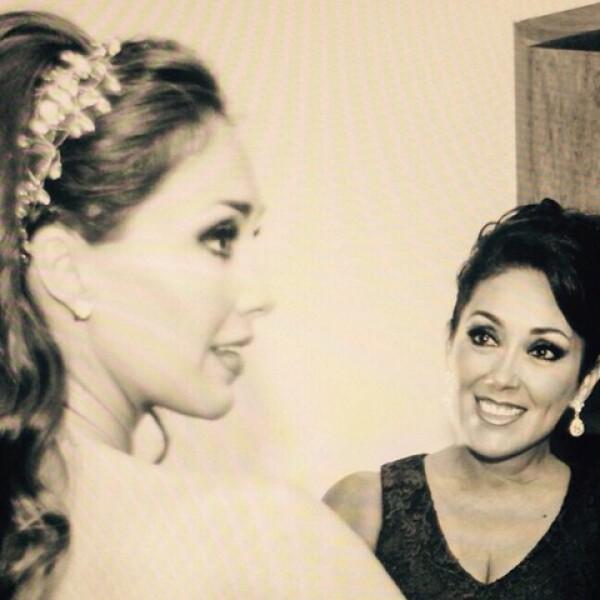 Anahií y su madre el día de su boda
