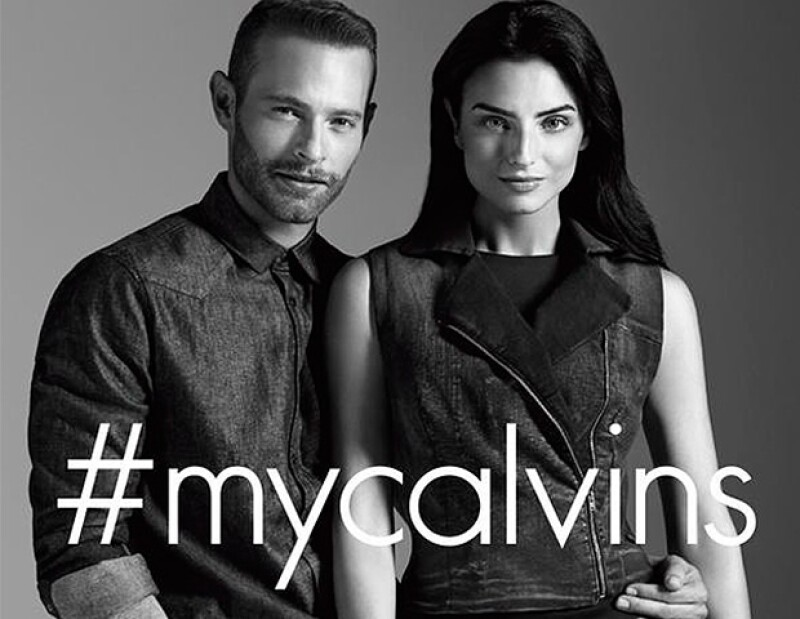 Los actores protagonizan la primera campaña de Calvin Klein hecha en México.