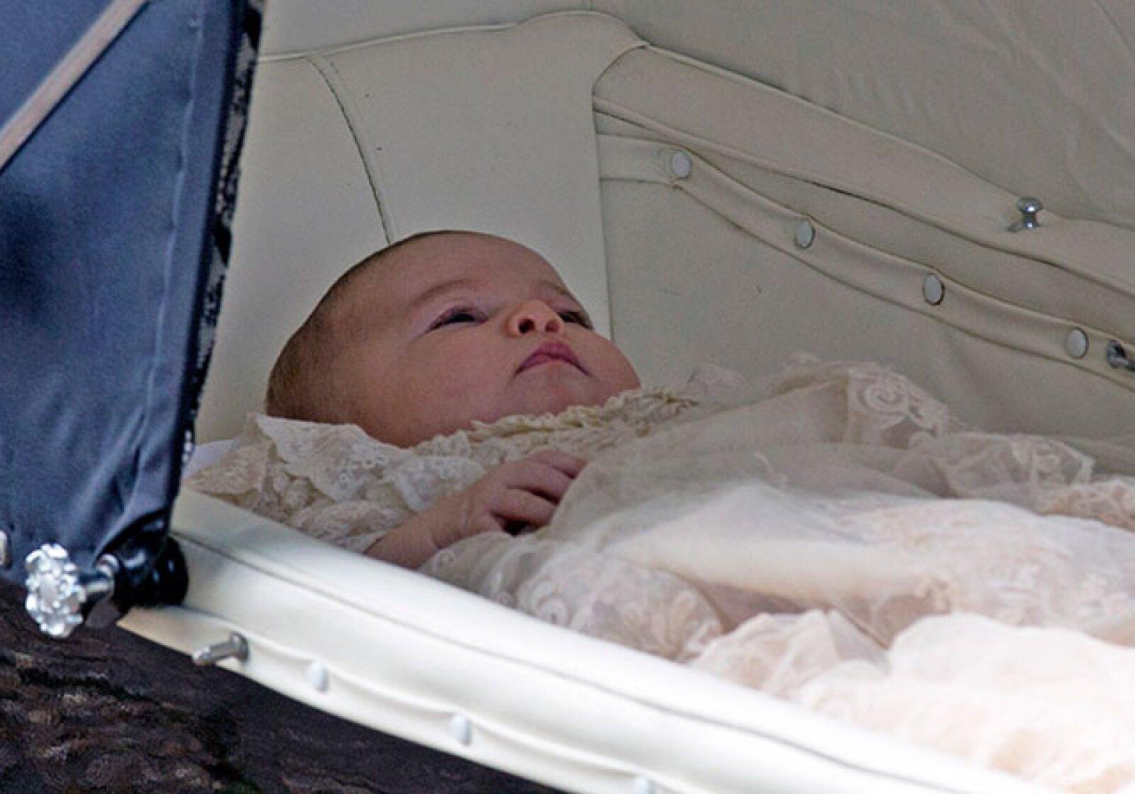 La princesa Charlotte fue llevada en una carreola hasta la iglesia.