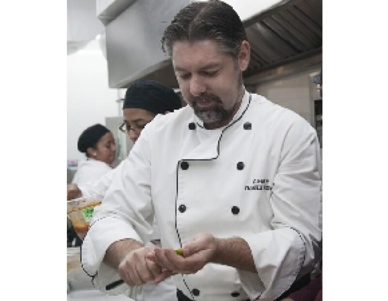 Su especialidad para Livorno son los corazones de alcachofas rellenos de queso de cabra y acompañados con paté de aceitunas.