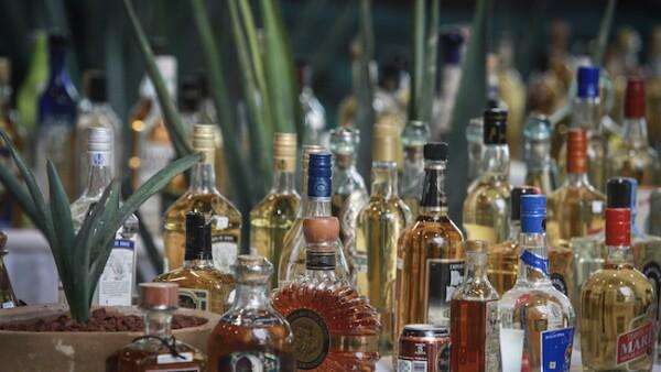 Botellas de tequila