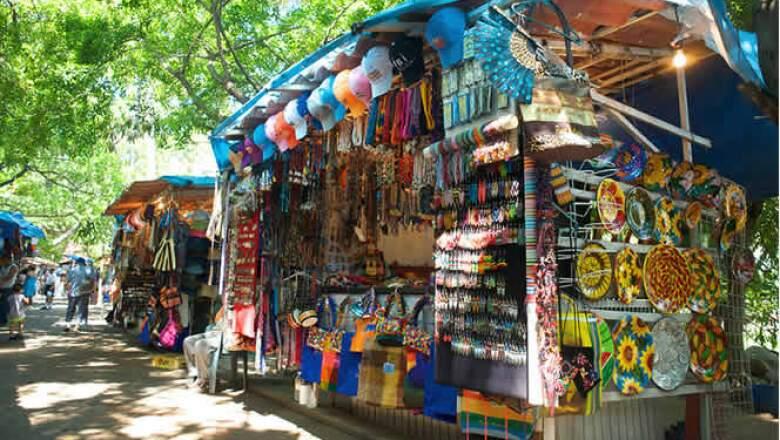 Uno de los lugares más populares para comprar la artesanía local y dar un agradable paseo.