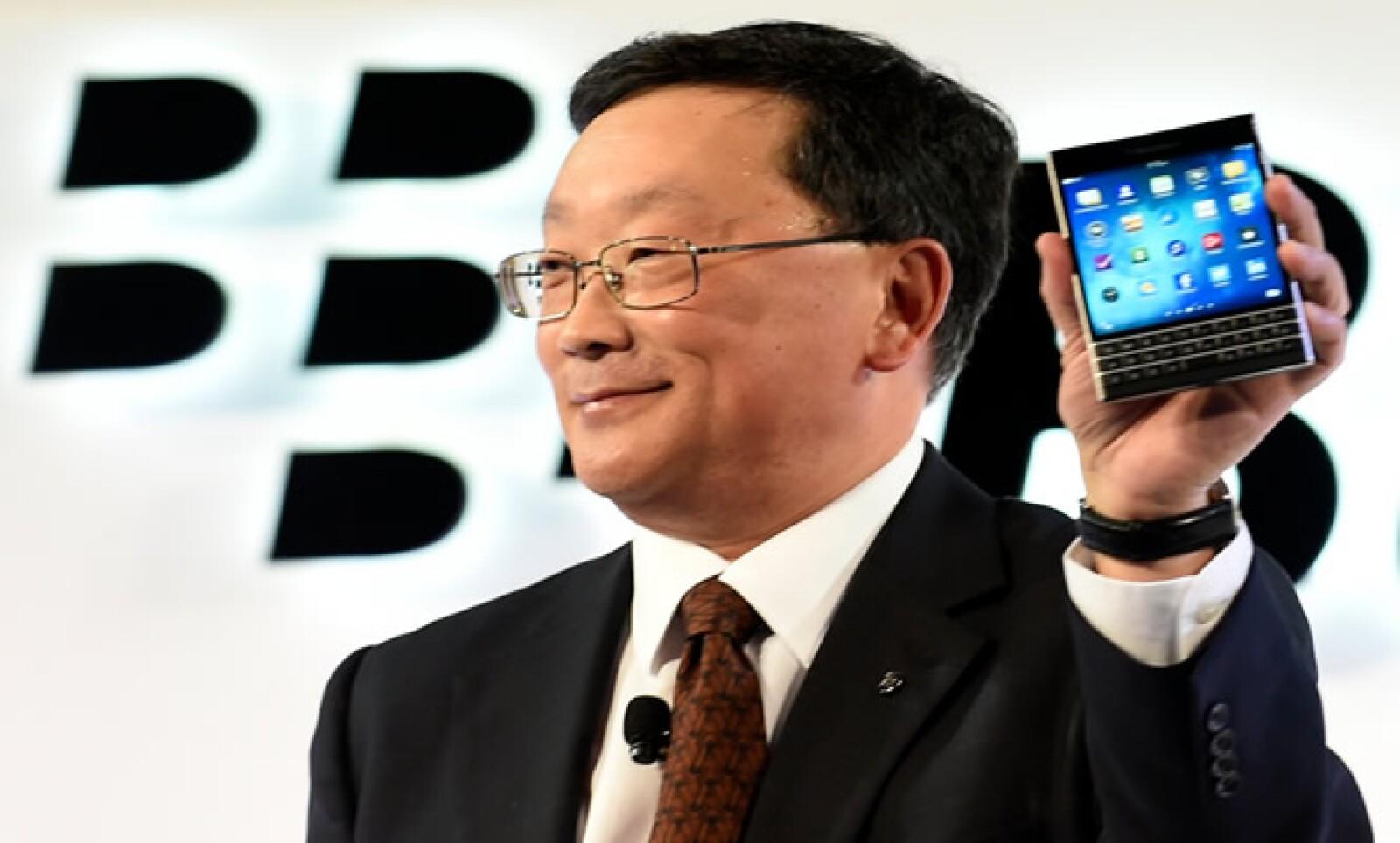 El dispositivo saldrá a la venta en algunos mercados el miércoles, con un precio de lanzamiento sugerido en minoristas de 699 dólares canadienses (629 dólares estadounidenses) en Canadá y 599 dólares en Estados Unidos.