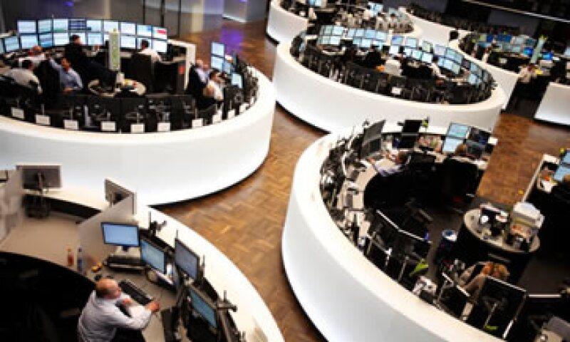 Los papeles de la principal fabricante mundial de rodamientos SKF AB sufrieron la mayor caída en el FTSEurofirst 300, bajaron 7.3%. (Foto: Reuters)