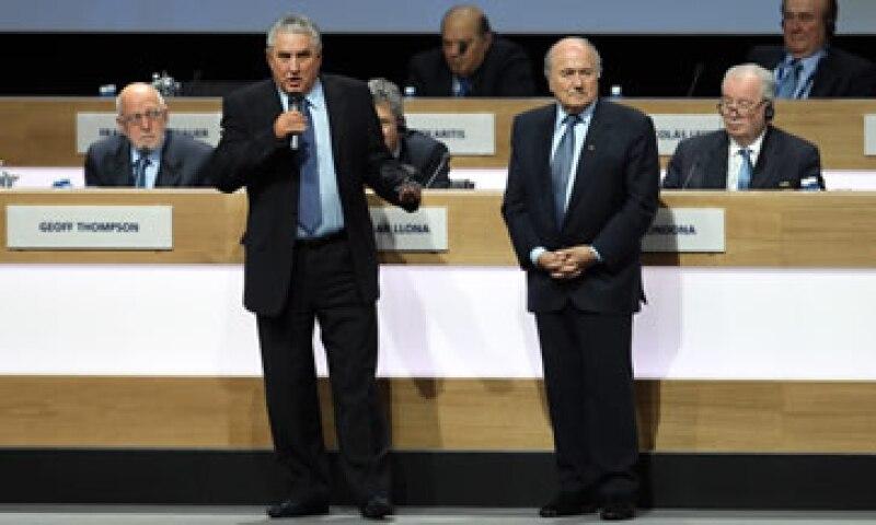 Blatter ha asumido gran parte de la culpa por los escándalos que han remecido a la organización. (Foto: Getty Images )