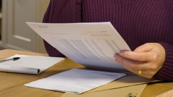 Aumenta el límite en deducciones personales a 5 salarios mínimos anuales o 15% del ingreso del contribuyente, lo que resulte menor. (Foto: istockphoto.com )
