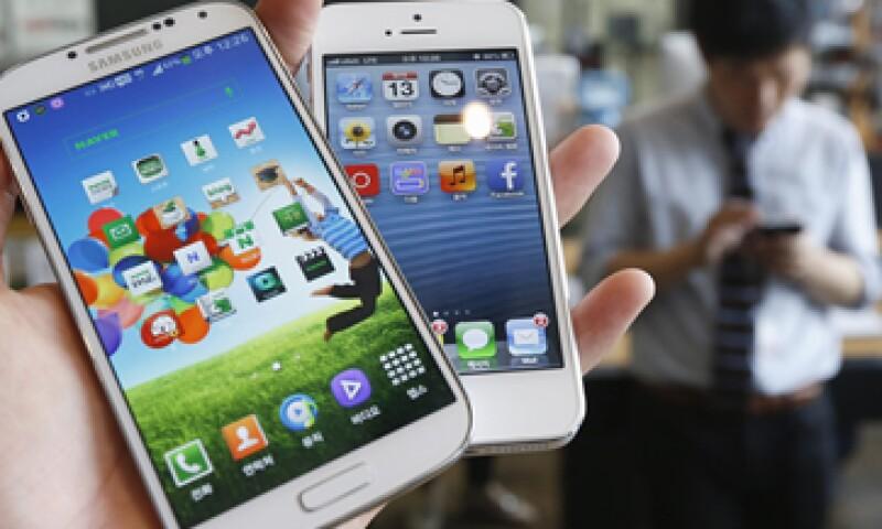 Apple y Samsung han protagonizado una pelea por la originalidad de sus productos. (Foto: Reuters)