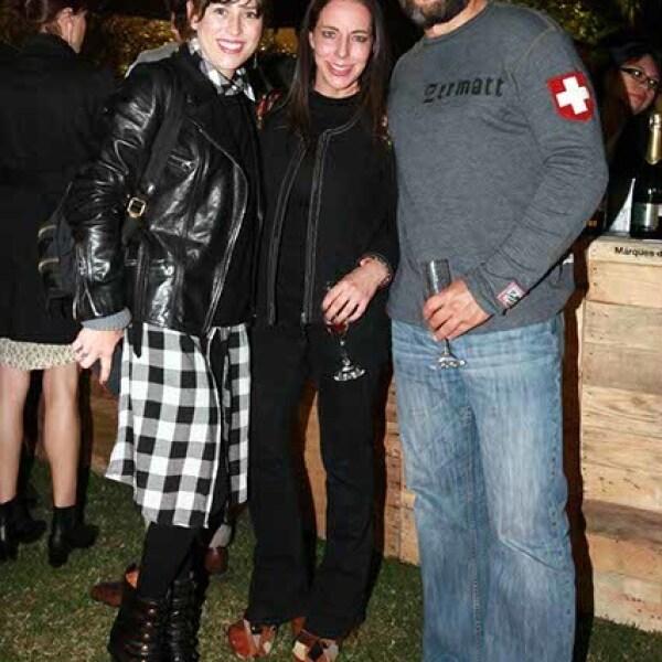 Daniela Roel,Silvia Rivera y Pascual Aranalde
