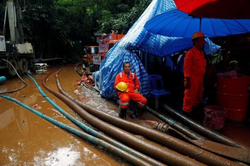 Rescatistas tailandeses