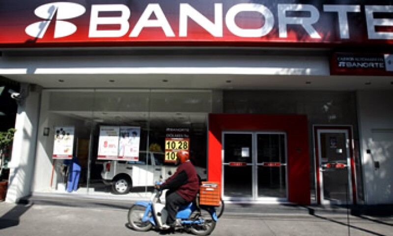 Para lograr la fusión Banorte-Ixe se aplicó una estrategia destinada a unir dos entidades con distinto tamaño y tipo de mercado. (Foto: AP)