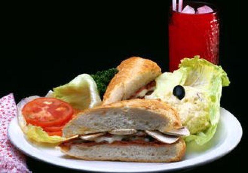 Las empresas de alimentos y bebidas aumentaron sus ventas en la recesión. (Foto: Jupiter Images)