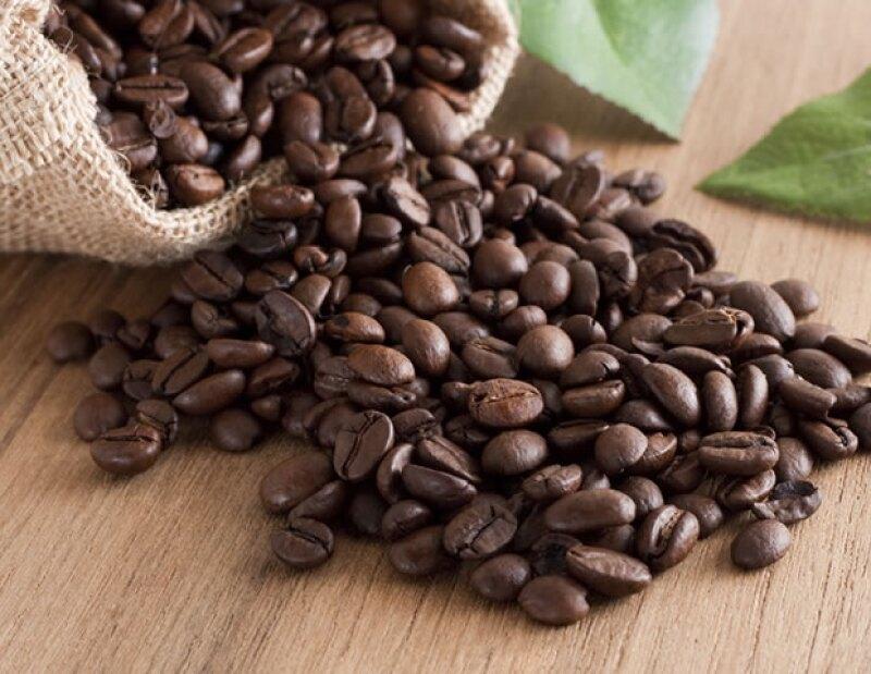 El café actúa como exfoliante natural y ayuda a estimular la circulación de la sangre.