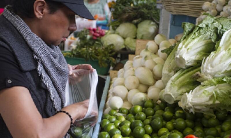 La economía mexicana creció 1.25% en abril frente a marzo, según datos del IGAE. (Foto: Cuartoscuro)