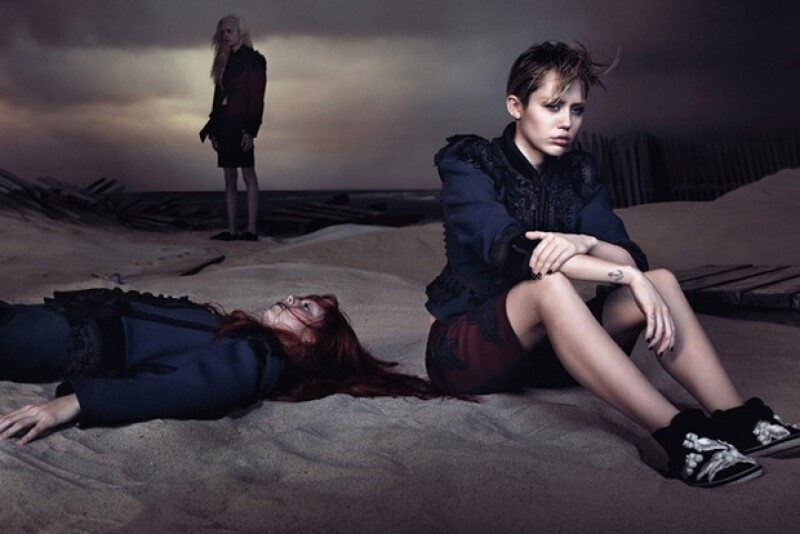 La cantante es la imagen actual de Marc Jacobs, pero cuando fue momento de fotografiarla, el incondicional del diseñador, el fotógrafo Juergen Teller, rechazó retratarla.