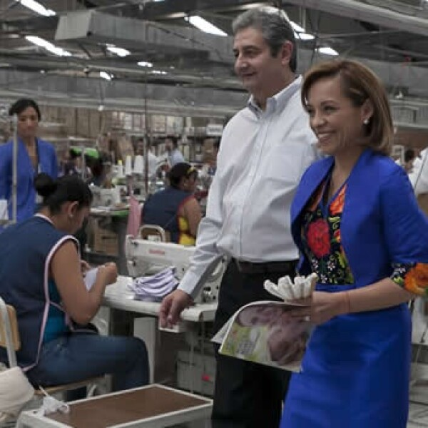 Josefina vazquez mtoa visita fábrica textil en aguascalientes
