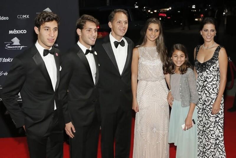 Daniel Hajj con Vanessa Slim e Hijos.