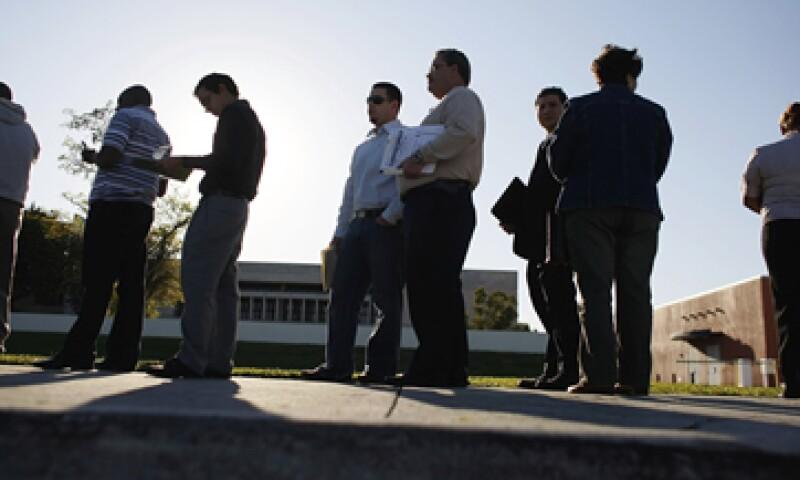Los pedidos iniciales de beneficios estatales por desempleo aumentaron en 4,000 la semana pasada. (Foto: iStock by Getty Images)