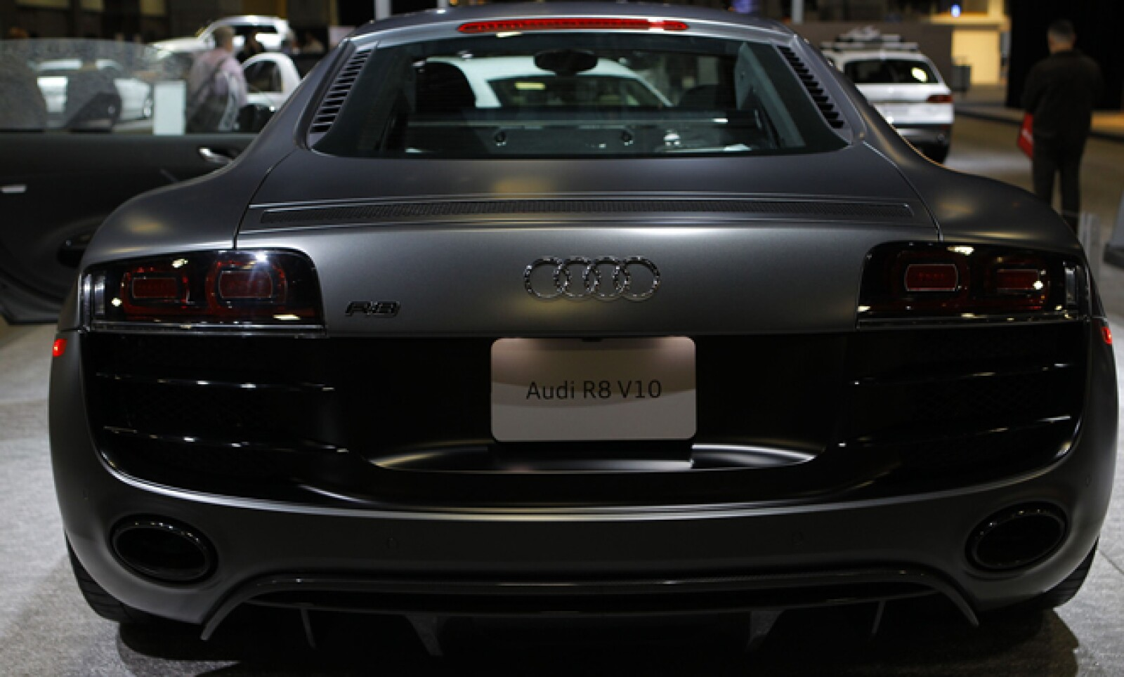 Por su cercanía con el Congreso estadounidense, el Auto Show busca crear un diálogo entre líderes de la industria y legisladores. El Audi R8 visto desde atrás.