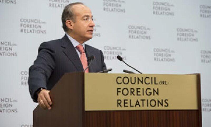 Si Enrique Peña tiene voluntad política para lograr algo en el sector energético, existe una ventana de oportunidad, dijo Calderón. (Foto: Notimex)