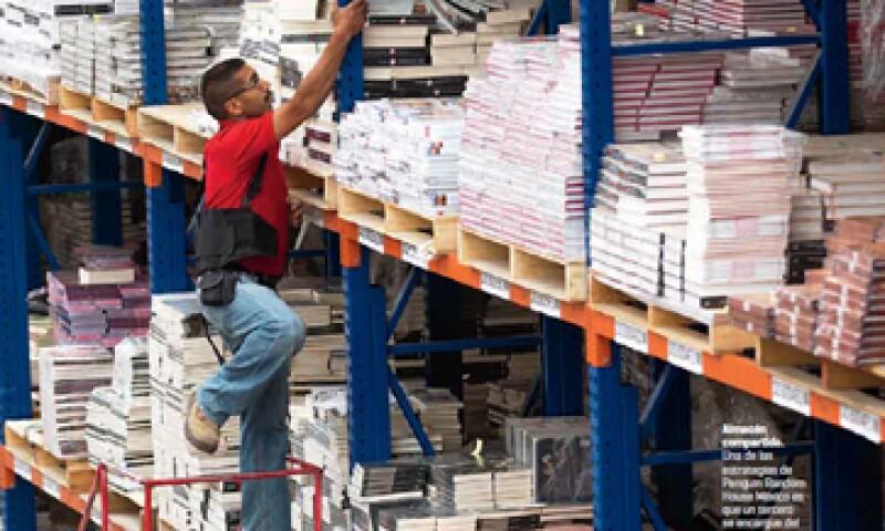 Una de las estrategias es que un tercero se encargue del almacenamiento y distribución de sus libros. (Foto: Duilio Rodríguez)