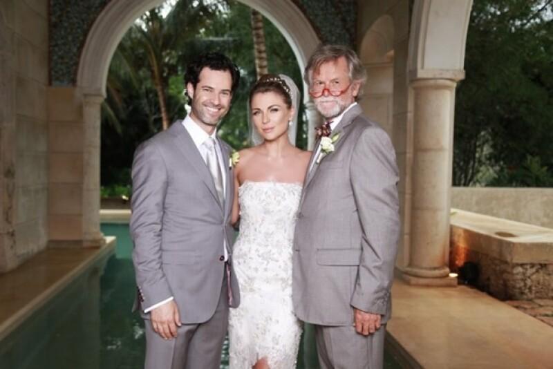 Emiliano Salinas y Ludwika Paleta se casaron el pasado 20 de abril. Aquí con el papá de la novia.