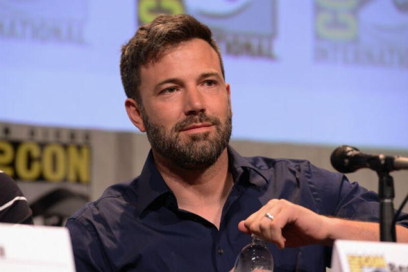 """Durante su presentación como panelista en el Comic-Con con motivo a su nueva película, """"Batman v Superman"""", el actor aún portaba su anillo de bodas, a pesar del reciente anuncio de su divorcio."""