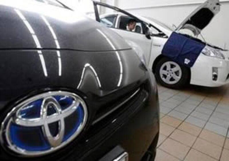 Toyota cuenta con una planta en México, donde se produce el modelo Tacoma. (Foto: AP)