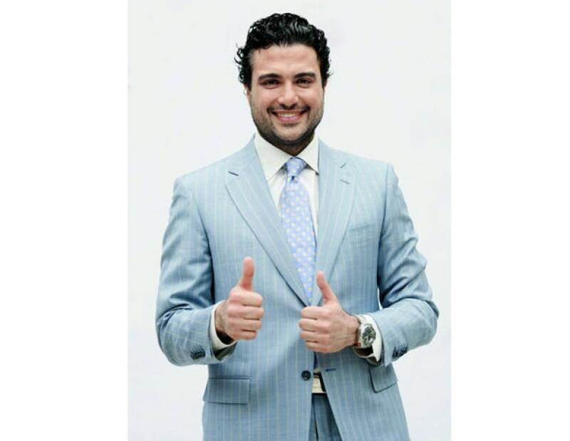 El popular actor mexicano externó su apoyo a Miguel Ángel Mancera, virtual candidato del PRD al GDF.