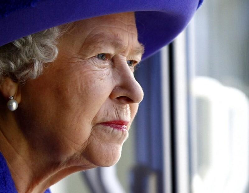 Isabel II celebra 60 años al frente de la Casa Real Windsor, que reina sobre Inglaterra y la Mancomunidad de las Naciones, desde hace mil años. Al festejo se le conoce como Jubileo de Diamante.