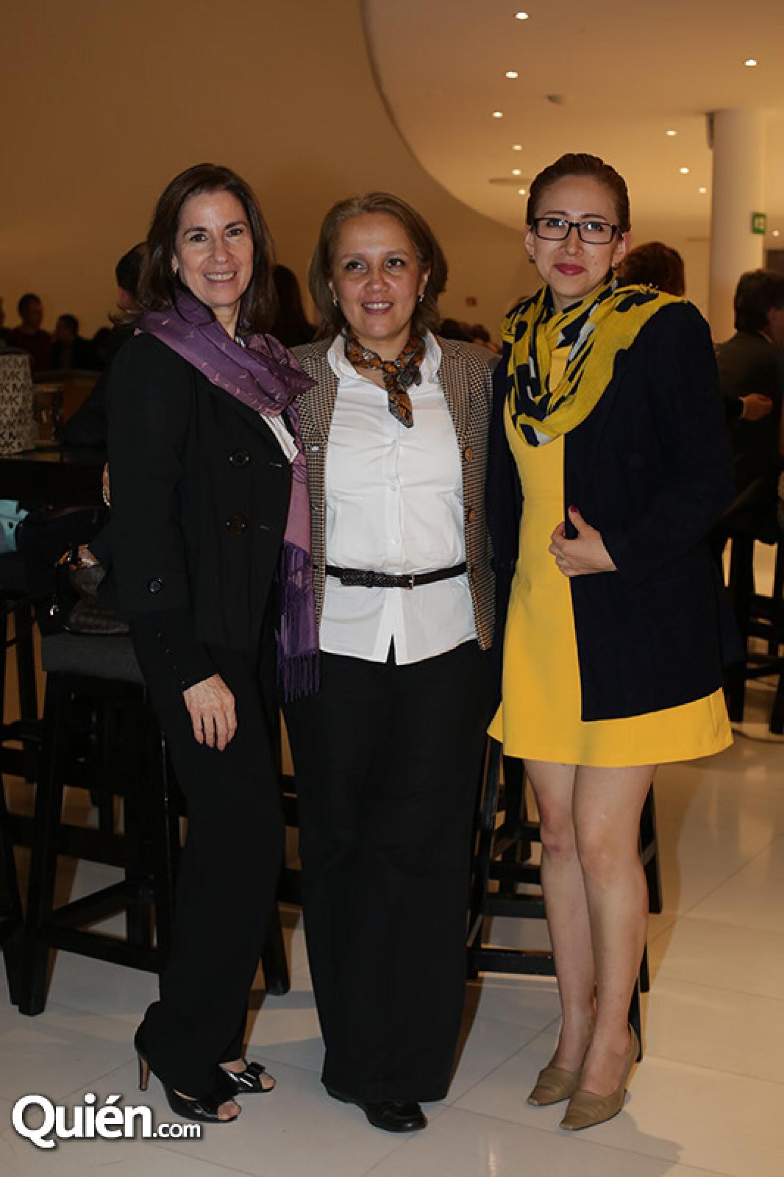 Marta Fernández,Lilia Galván y Alexis Quiroz