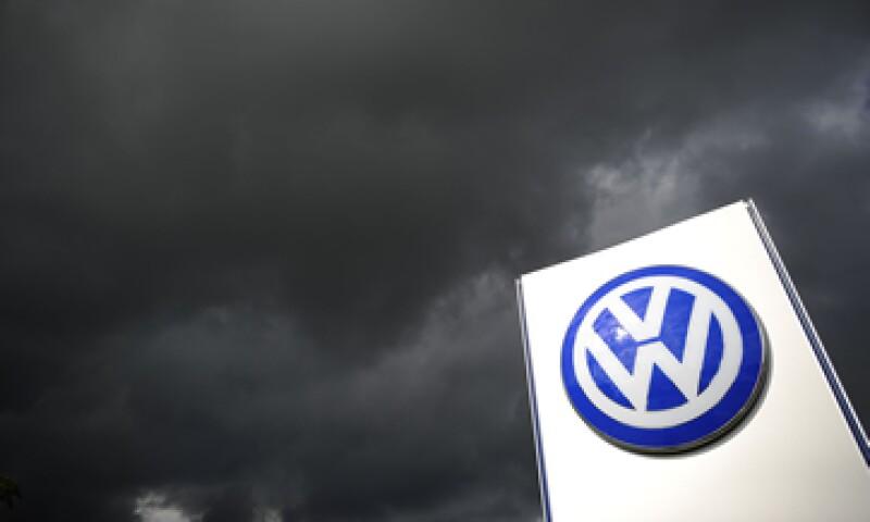 La marca solicitó a los autos modelos 2010 a 2014 actualizar los sistemas en sus equipos antes de realizar las inspecciones de emisiones (Foto: Getty Images/Archivo )