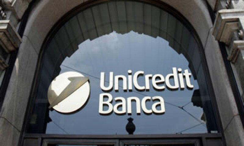 La agencia d8ijo que los bancos italianos pueden aprovechar el alto nivel de ahorros de las familias. (Foto: AP)