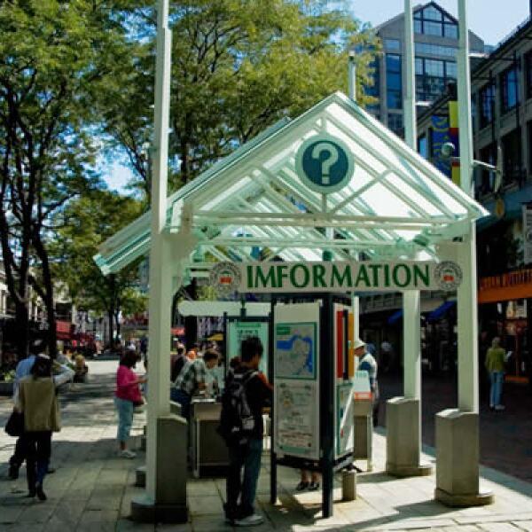 A lo largo de la ciudad, encontrarás centros de información para remediar tus dudas y obtener direcciones.