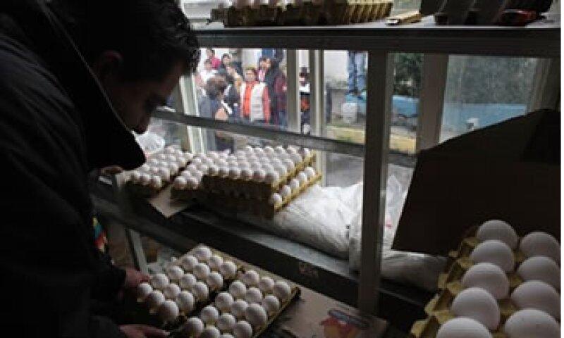 El huevo tuvo un incremento de 11.04% durante agosto.  (Foto: AP)