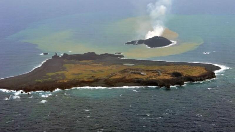 La isla japonesa de Nishinoshima ya es 11 veces más grande que su tamaño original