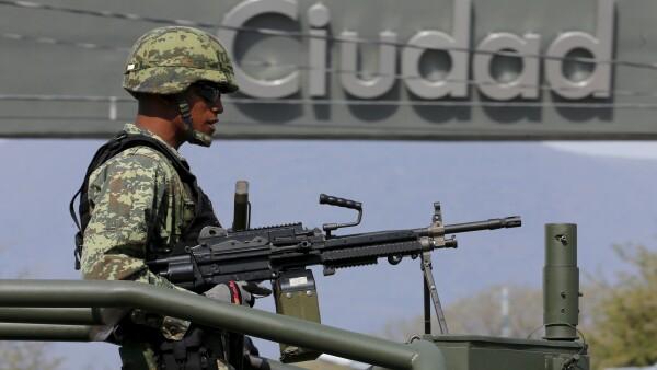 El despliegue militar en México contra la delincuencia organizada, que se inició en 2012, ha desatado numerosas críticas dentro y fuera del país.