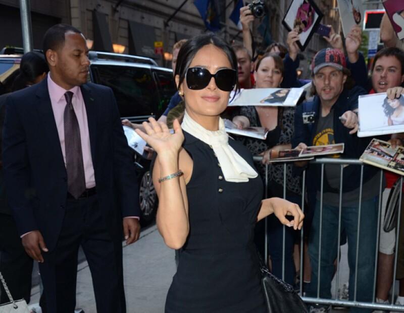 La artista estará el viernes en el país europeo, puesto que será la encargada de presentar la gala del Premio Gucci para mujeres del cine 2012.
