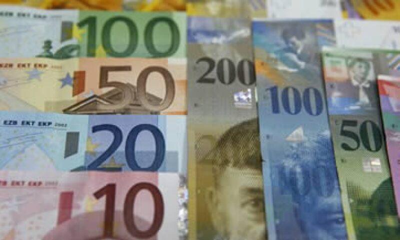 El CE instó a los gobiernos a implementar acuerdos que permitan dar más flexibilidad al fondo de emergencia del bloque. (Foto: Reuters)