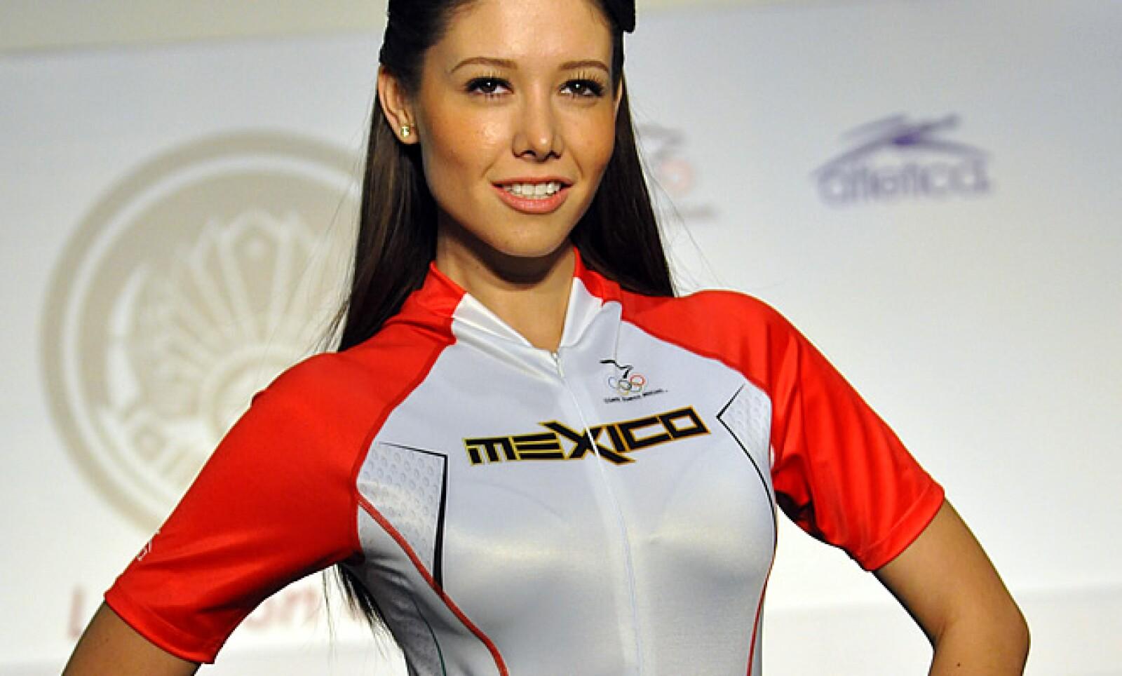 Inspirados en la cultura maya, fueron presentados los uniformes con los que México competirá en los Juegos Olímpicos de Londres 2012.